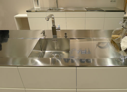 Gentil By Blanco U2014 Foreground: Stunning Integrated Stainless Steel Countertop And  Sink. Note The Thin (great New Look) Countertop, Chic Drain Cover And  Seamless ...